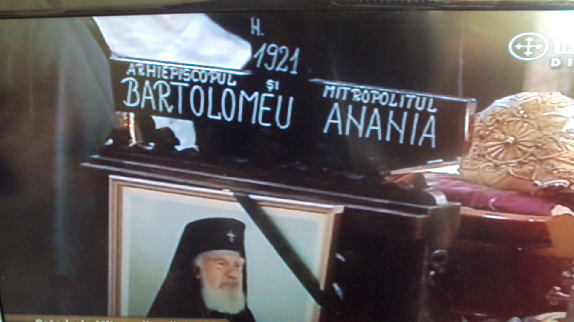 http://ia600400.us.archive.org/10/items/InmormantareaIpsAcad.Dr.BartolomeuAnania3Februarie2011/DSC00321.JPG